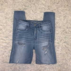 American Eagle light wash ripped jeans